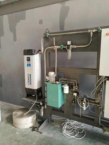 SR吸附式干燥机用于干燥压缩空气
