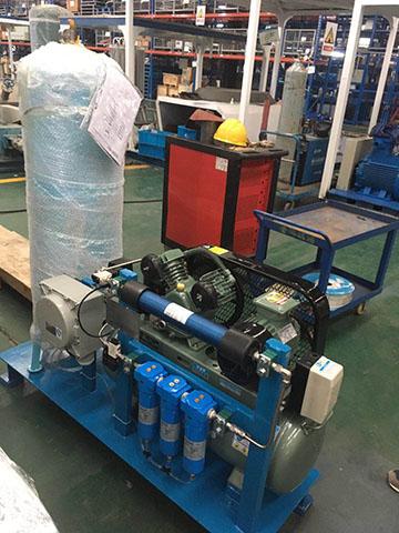 三级SRB系列压缩空气过滤器集成在设备中