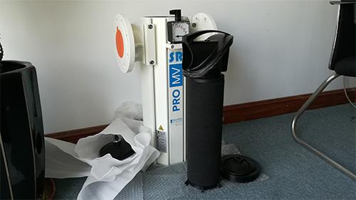 法兰连接的Walker医用真空除菌过滤器和拆开的内部滤芯