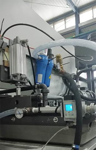 压缩空气过滤器和压缩空气精密过滤器后端配有气体加热器