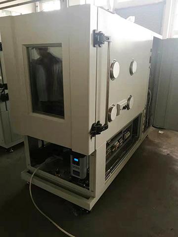 英国小型模块干燥机集成到高低温环境试验箱里的照片